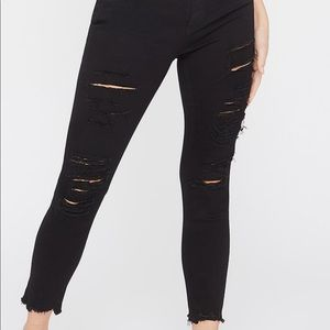 MUST GO❗️❗️Black ripped skinny jeans